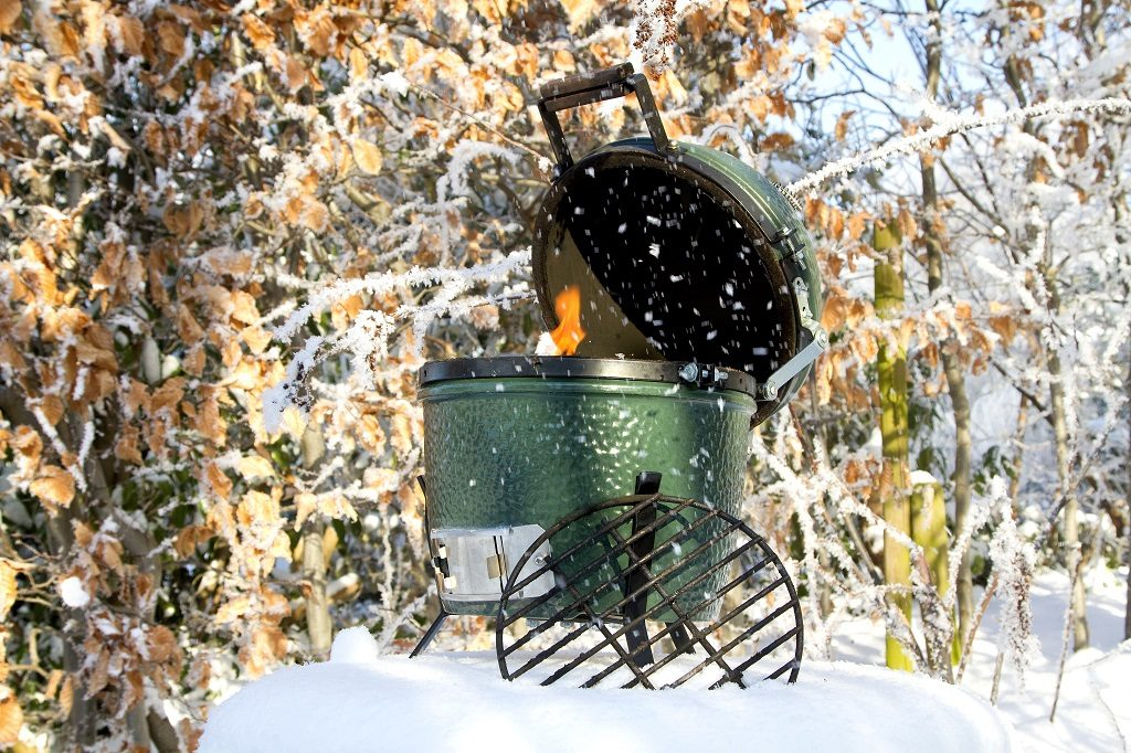 Best charcoal grill Big Green Egg winter