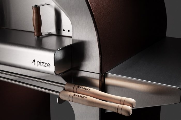 Alfa Pizza 4 Pizze wood-fired oven close up 1024