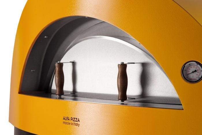 Alfa Pizza Allegro wood-fired oven close up 1024