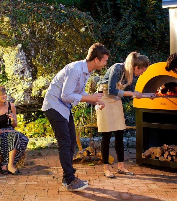 Wood fired pizza ovens featured 1024