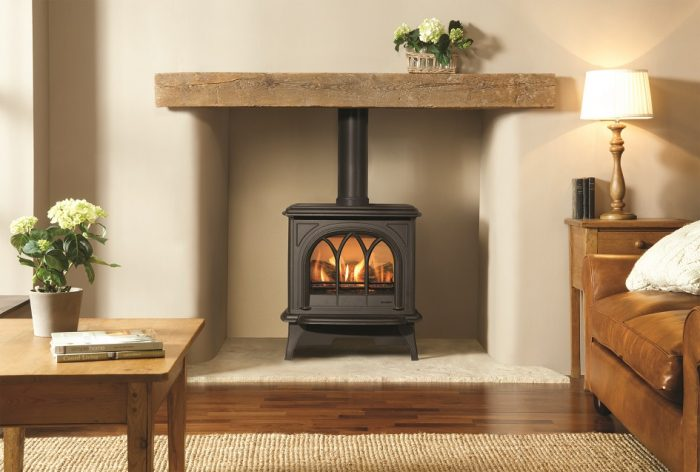 Stovax & Gazco Huntingdon 30 gas stove with matt black finish and tracery door