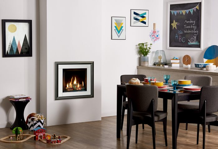 Stovax & Gazco Riva2 400 Evoke XS white glass gas fire with EchoFlame black glass lining