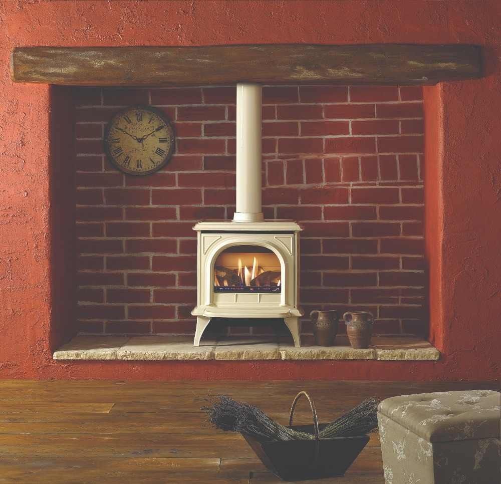 Stovax & Gazco Huntingdon 30 gas stove with ivory finish and clear door