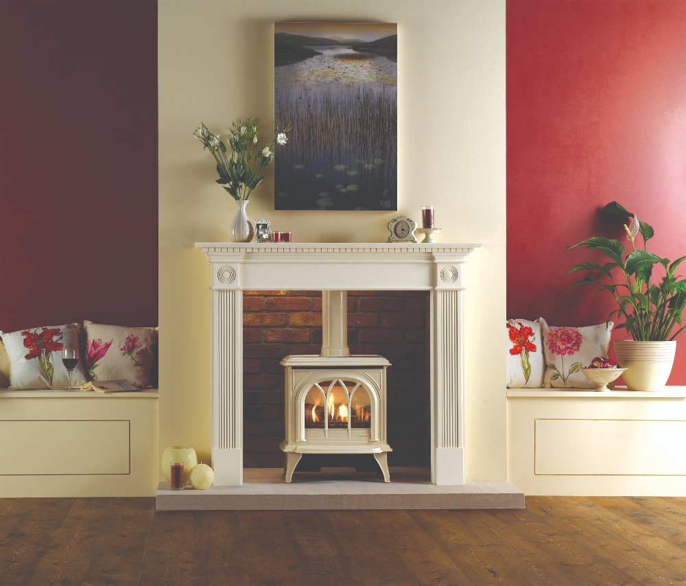 Stovax & Gazco Huntingdon 30 gas stove with ivory finish and tracery door