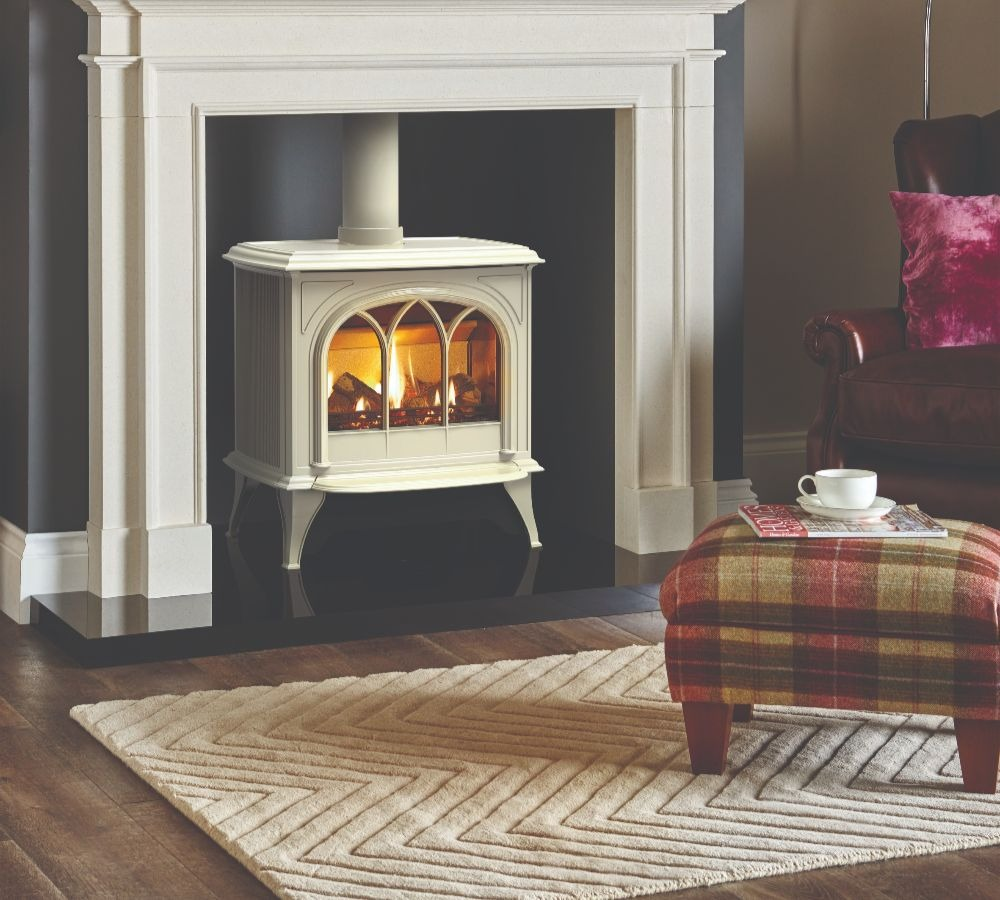 Stovax & Gazco Huntingdon 40 gas stove with ivory finish and tracery door