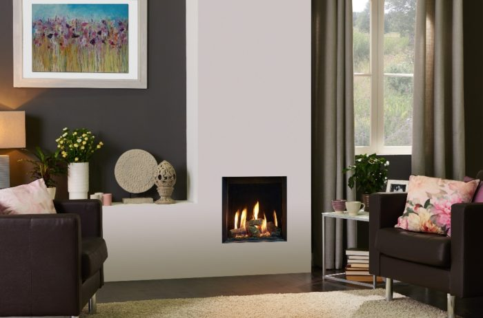 Stovax & Gazco Riva2 400 Edge gas fire with EchoFlame black glass lining