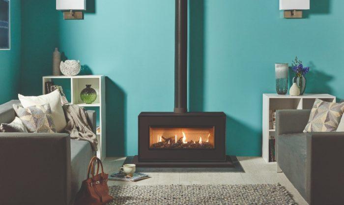 Stovax & Gazco Studio 2 freestanding gas fire, black finish, log effect, vermiculite lining and plinth