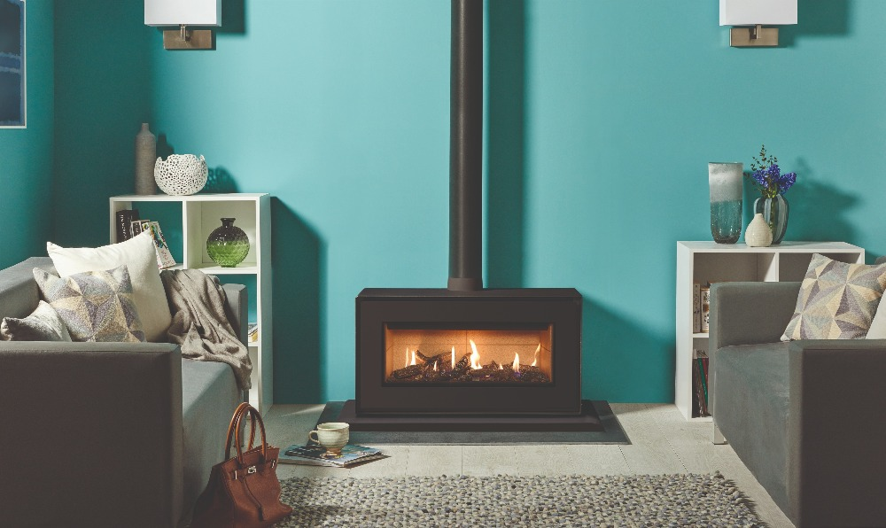Stovax & Gazco Studio 2 freestanding gas fire, black finish, log effect, vermiculite lining and plinth