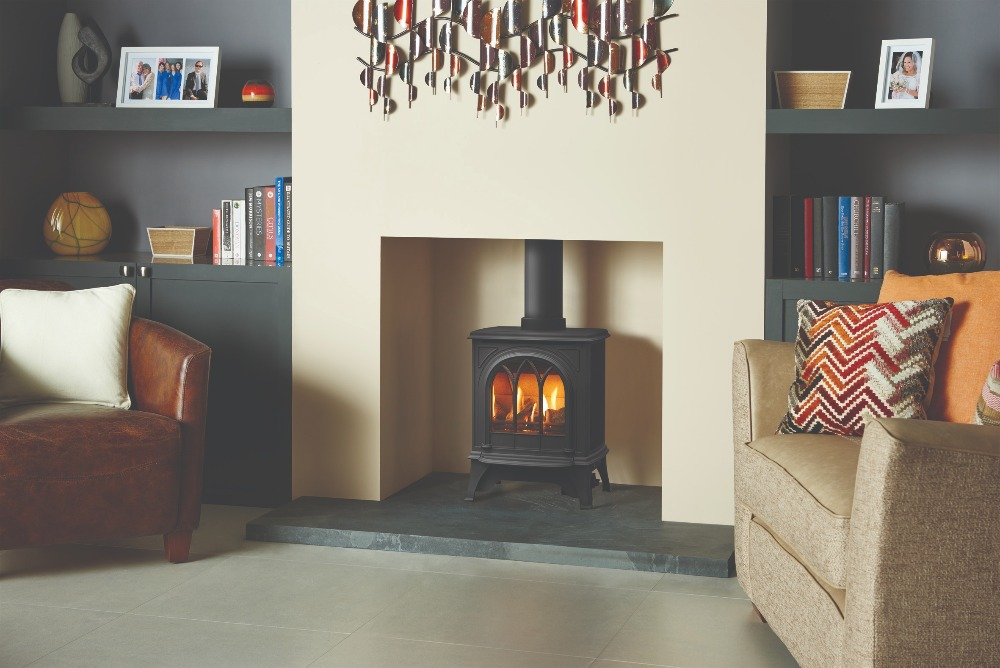 Stovax & Gazco Huntingdon 20 gas stove in matt black with tracery door