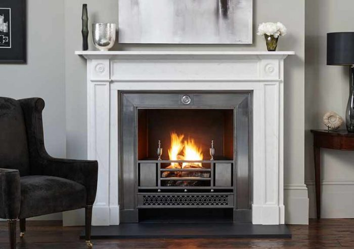 Chesneys Langley fireplace with the Chamberlain register grate